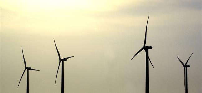 Transitioning to 100% Clean and Renewable Energy Use